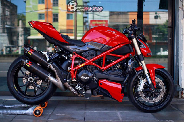 Ducati StreetFighter 848 do chat ngat voi dan option hang hieu - 15