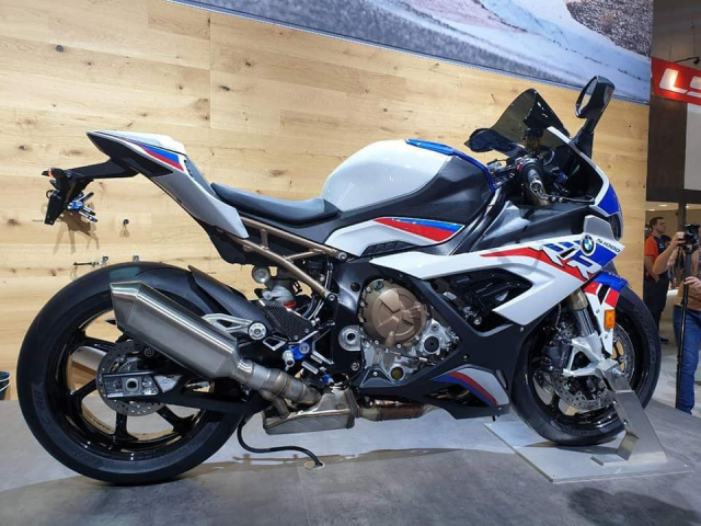 Can canh BMW S1000RR 2019 thay doi hoan toan ca ve thiet ke lan dong co - 2
