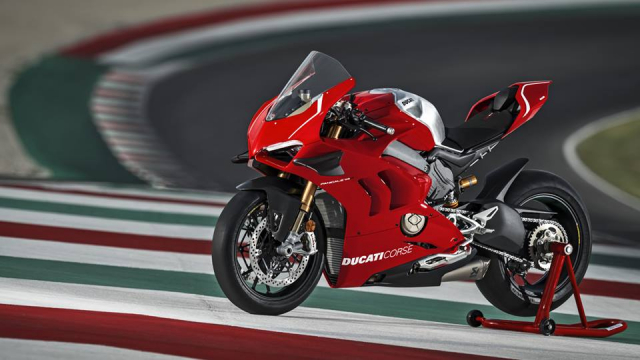 Ducati V4R Panigale 2019 ra mat voi bo canh Carbon dac trung moi - 14