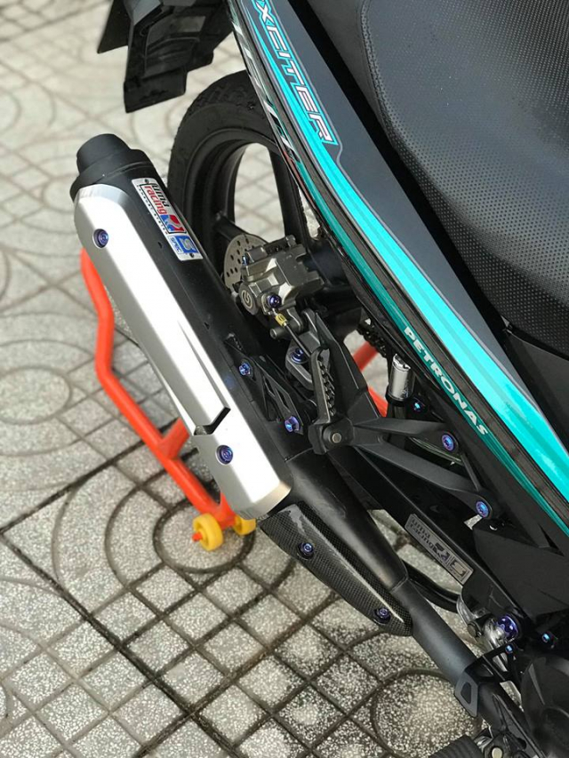 Exciter 150 do an tuong voi dan chan Brembo chat den tung luong - 8