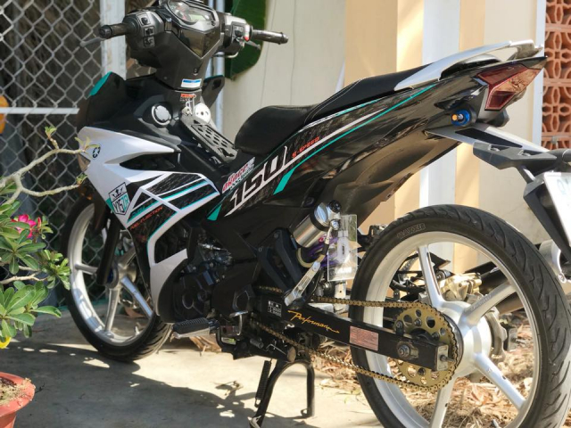 Exciter 150 do lung linh day an tuong voi dan chan bac - 5