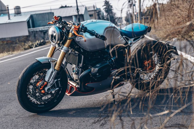BMW RnineT do chat choi mang dam thiet ke Cafe Racer tan thoi - 9
