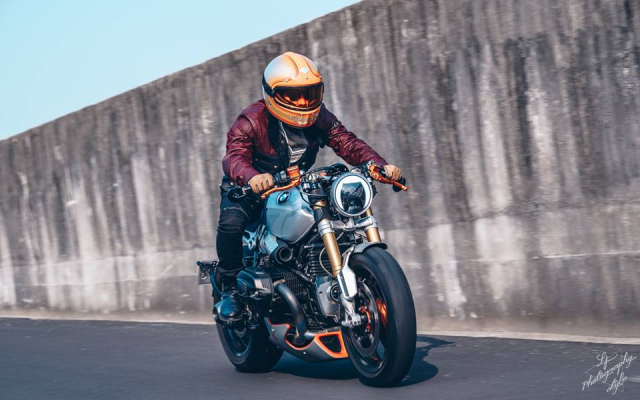 BMW RnineT do chat choi mang dam thiet ke Cafe Racer tan thoi - 19