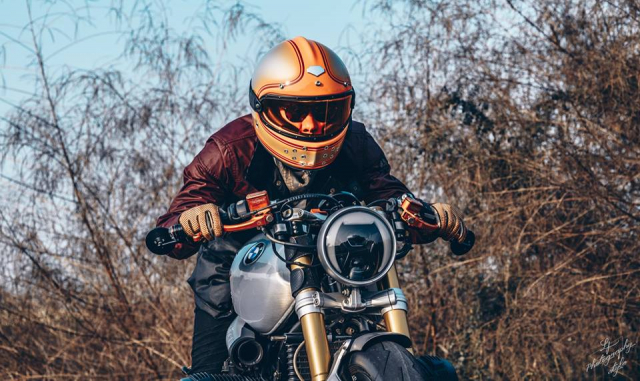 BMW RnineT do chat choi mang dam thiet ke Cafe Racer tan thoi - 21