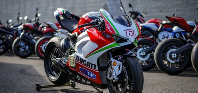 Ducati Panigale V4 Hayden Tribute phien ban dac biet tu dai ly voi gia hon 15 ty - 3