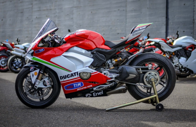 Ducati Panigale V4 Hayden Tribute phien ban dac biet tu dai ly voi gia hon 15 ty - 9