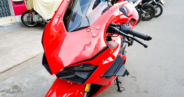 GPX Demon 150 GR do an tuong voi tao hinh y chang Ducati Panigale V4 R - 3