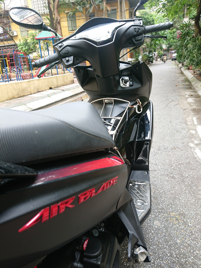 Honda Air blade 125fi Black Edition 2015 den mo chinh chu bien HN - 3