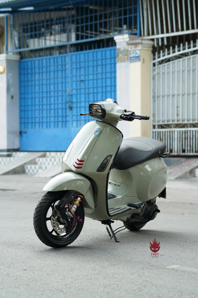Vespa Sprint do an tuong voi dan chan Maru W125B day chat choi - 3
