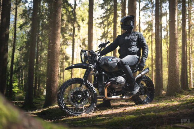 BMW RnineT do an tuong theo phong cach Scrambler voi dac danh THOR - 10