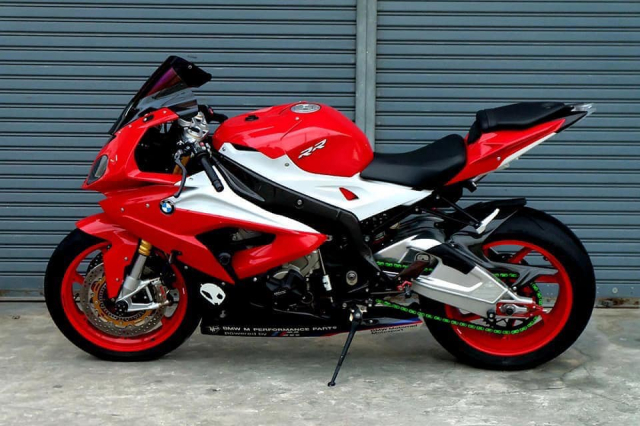 BMW S1000RR do ruc ro voi tong do choi chang cung dan do choi chat lu - 15