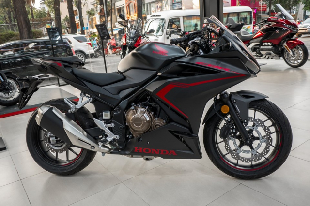 Can canh lo hang Honda CBR500R 2019 dau tien ve dai ly - 3
