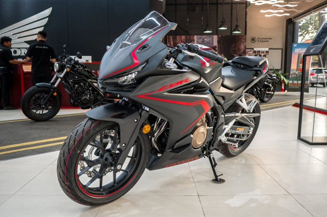 Can canh lo hang Honda CBR500R 2019 dau tien ve dai ly - 4