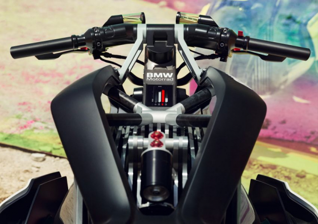 BMW Motorrad gay chan dong voi mau xe dien Vision DC Roadster - 7