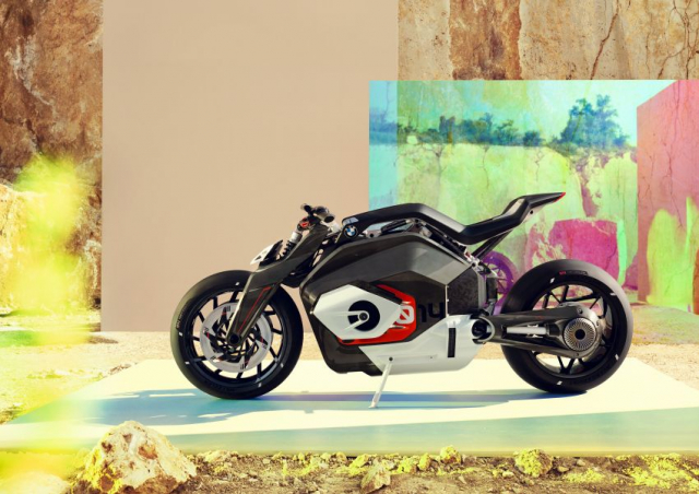 BMW Motorrad gay chan dong voi mau xe dien Vision DC Roadster - 11