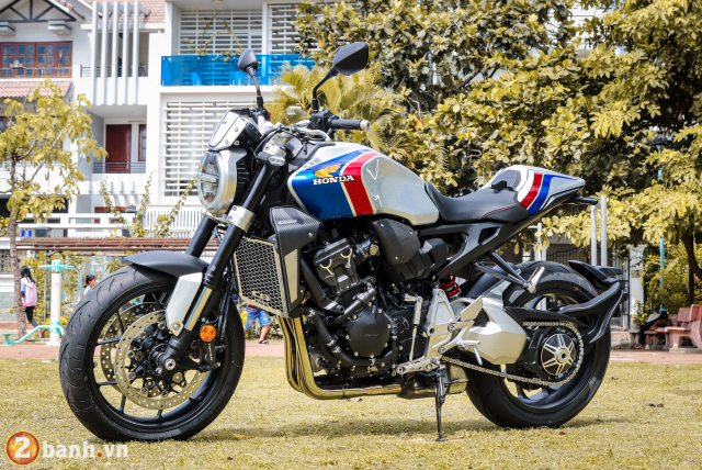 Can canh Honda CB1000R Limited Edition 2019 vua ve Viet Nam - 12