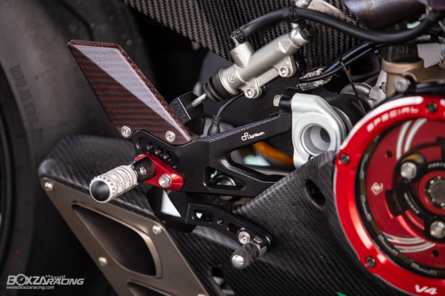 Ducati Panigale V4 S do Ban dung voi phong cach dao pho - 11