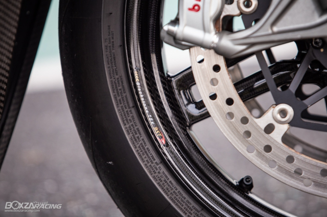Ducati Panigale V4 S do Ban dung voi phong cach dao pho - 25