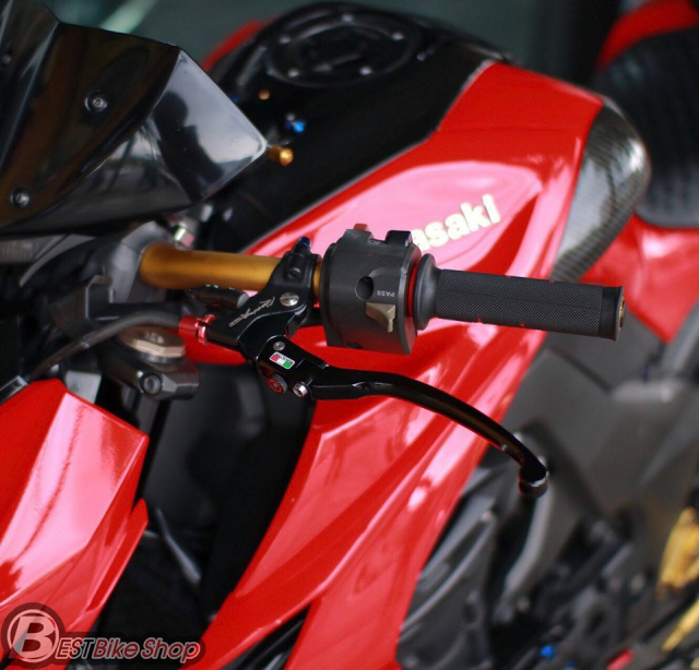 Kawasaki Z1000 do an tuong voi phong cach Do Sporty - 5
