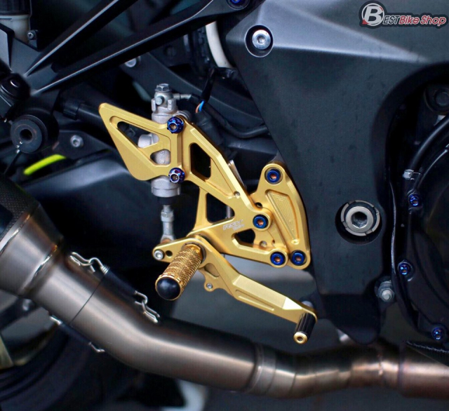 Kawasaki Z1000 do an tuong voi phong cach Do Sporty - 9