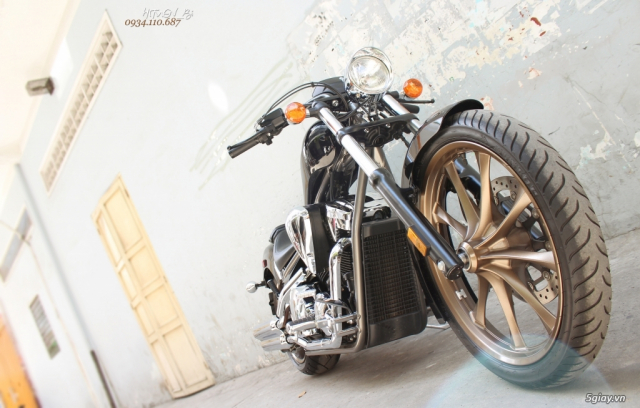 ___ Can Ban ___HONDA Fury 1300cc Chopper 2016___