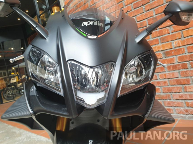 Can canh Aprilia RSV4 1100 Factory 2019 voi gia gan 1 ty VND - 4