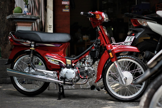 Honda Dream do lot xac cuc chat voi dan do choi dang cap - 7