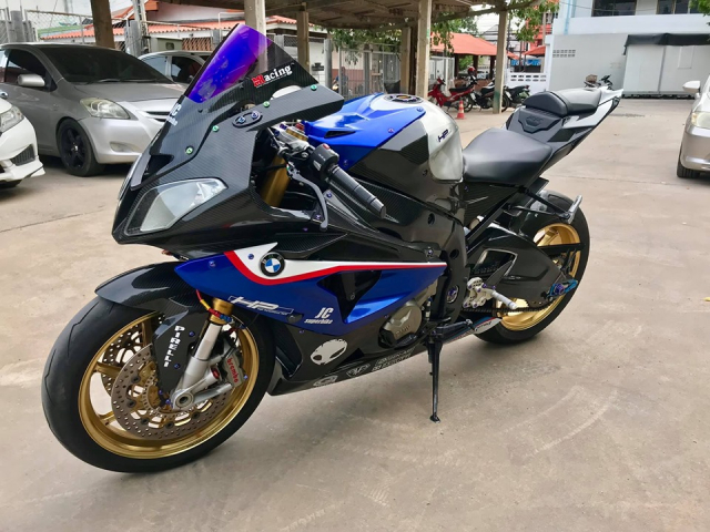 BMW S1000RR do full cau hinh Carbon dep me hon - 7