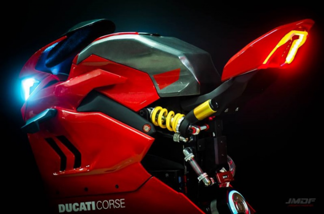 Ducati Panigale V4 R duoc mo phong song dong voi thiet ke vo CPU - 4