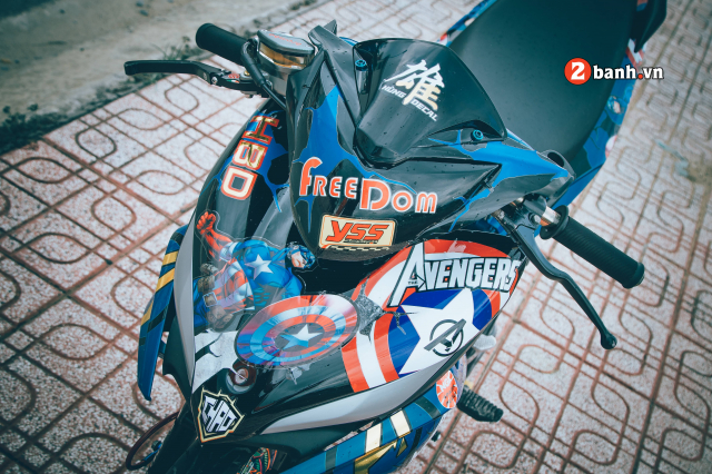Exciter 135 do Drag cho toc do kinh hoang voi phong cach Captain America
