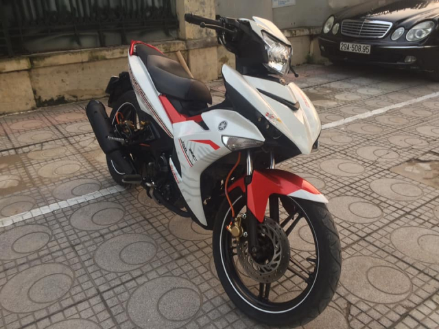 Exciter 150 cc Fi mau do trang bien Ha Noi 5 so can ban