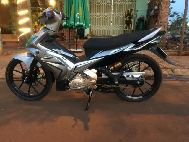 Man nhan Exciter 135 do so huu dan chan Brembo hoang kim cuc doc - 3