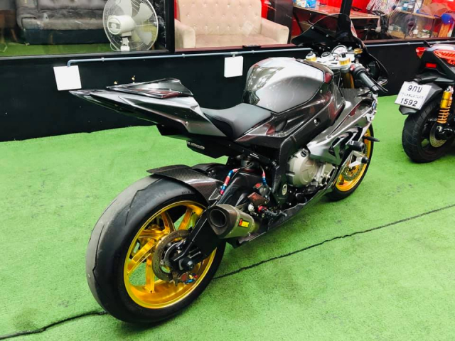 BMW S1000RR do hut hon voi dan Option dang cap - 10