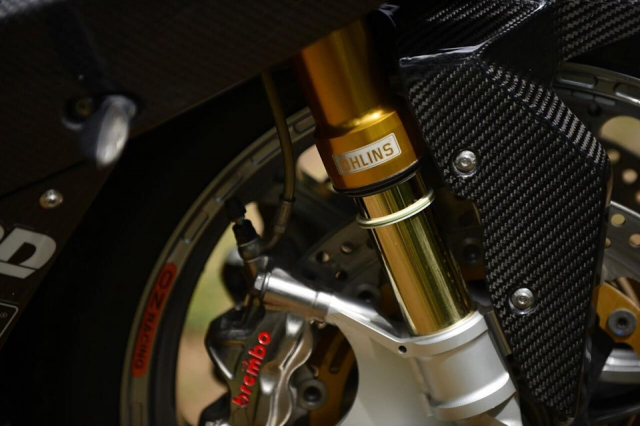 BMW S1000RR do Ve dep tan bao trong dien mao full option - 4