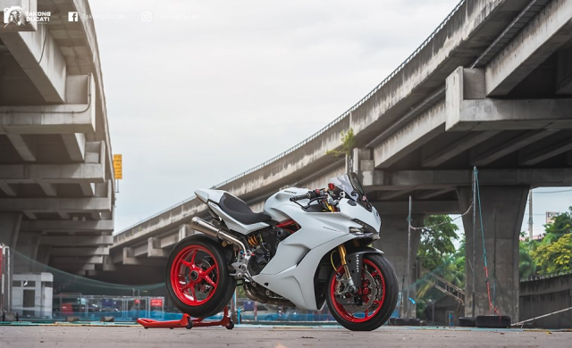 Ducati SuperSport S do day me hoac voi phong cach Superbike - 18