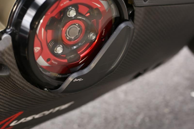 Ducati Panigale V4 S do cuc chat trong dien mao fullsix Carbon - 10