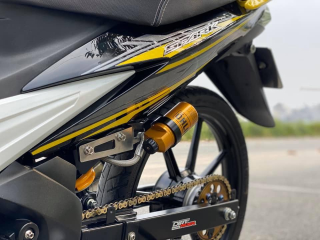 Chang Exciter 135 so huu dan chan Ohlins day cung cap - 5