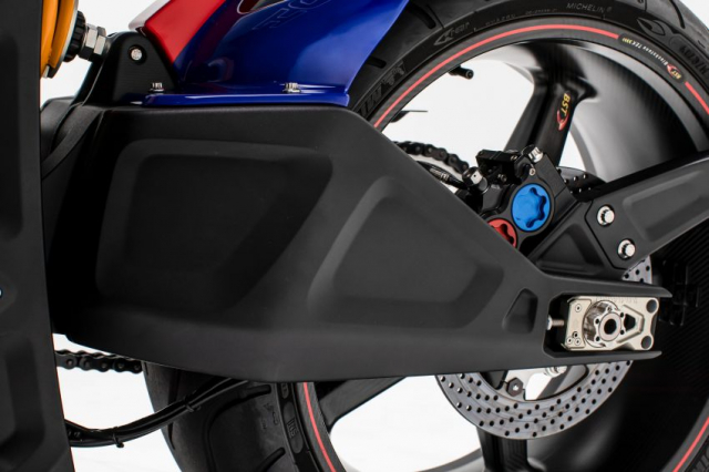 Ra mat Arch Motorcycle KRGT1 2020 voi gia gan 2 ty VND - 11