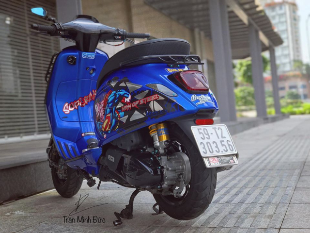 Vespa Sprint do chat choi cung bo canh Superman day moi la - 7