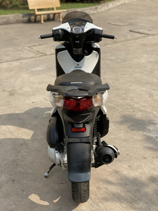 _ Can Ban HONDA SH 125i nhap Y Mau Trang Sporty so may 104 dang ky lan dau 2011 HQCN odo 20K