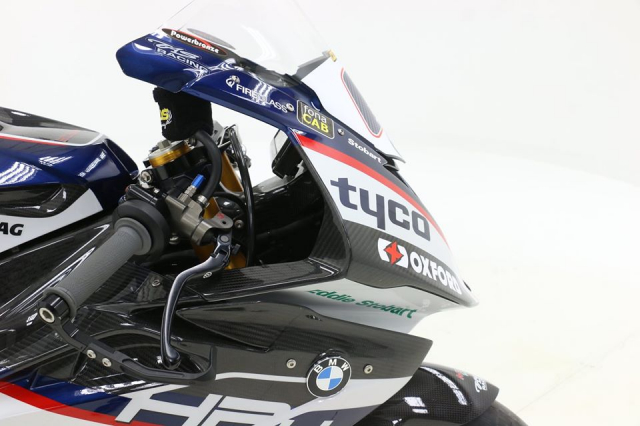 BMW HP4 Race duoc rao ban voi gia tu 13 ty VND - 4