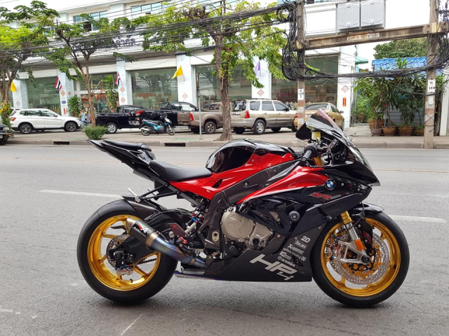 BMW S1000RR do hoan thien voi trang bi full option - 13