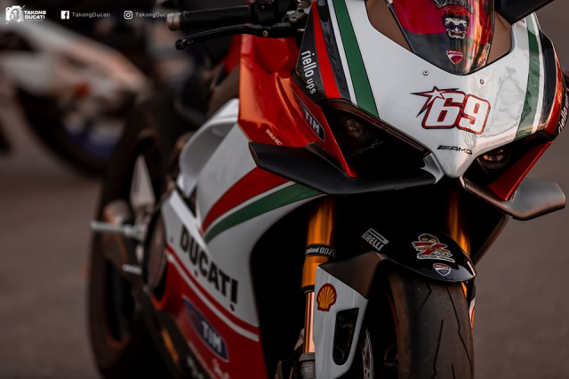 Ducati Paingale V4 S do an tuong voi phong cach cua Nicky Hayden