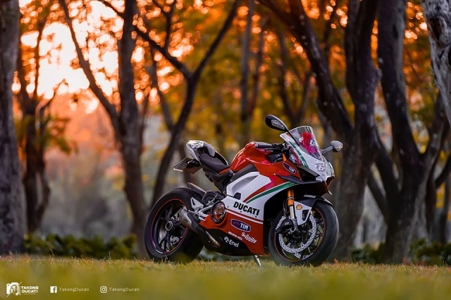 Ducati Paingale V4 S do an tuong voi phong cach cua Nicky Hayden - 10