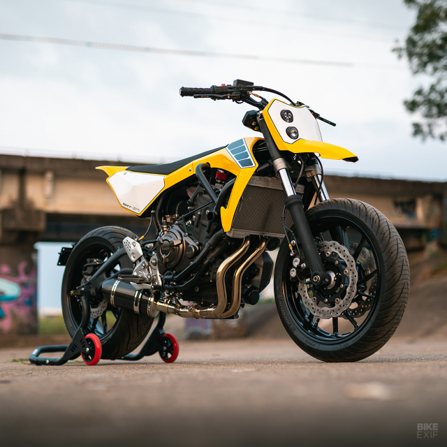 Yamaha MT07 thay hinh lot xac voi phong cach Supermoto tu Queensland - 10