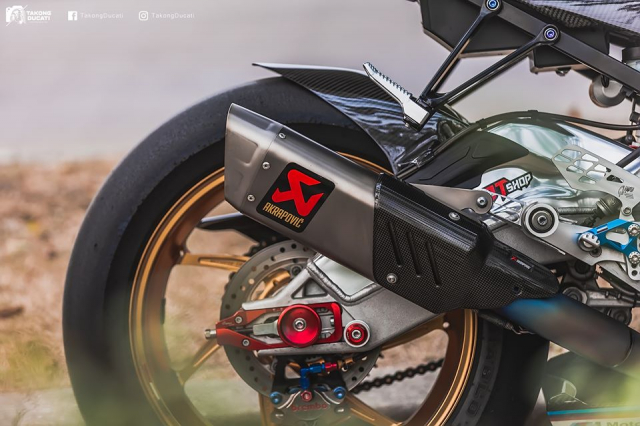 BMW S1000RR do chat lu trong dien mao TYCO RACING - 8