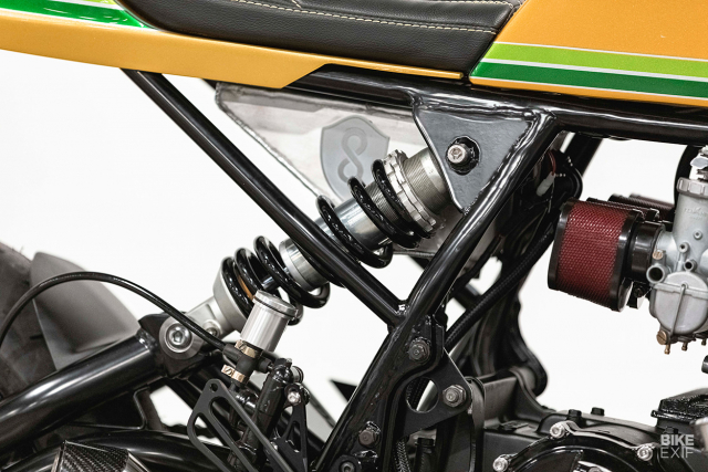 Honda CB750 do an tuong voi chu de Candy Crush - 8