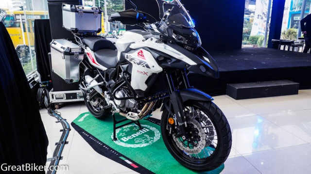 Benelli TRK800 chuan bi trinh lang thi truong Adventure voi gia re - 4