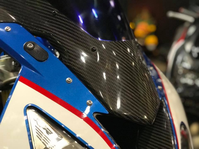 BMW S1000RR do com can theo phong cach HP4 - 4