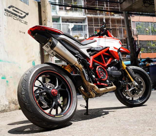 Ducati Hypermotard 939 SP do noi bat den tu GForce Thailand - 8